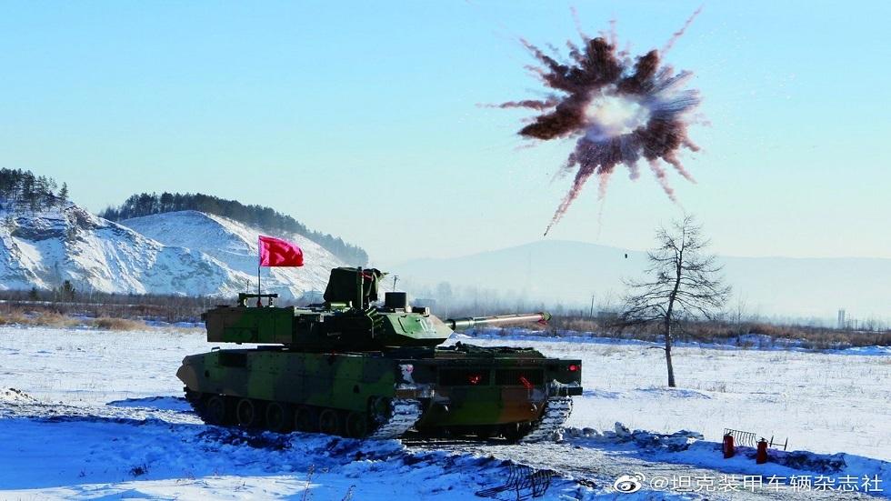 الصين تزود جيشها بدبابات حديثة