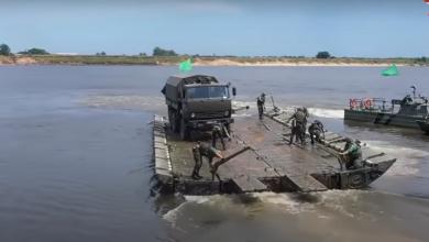 Photo of شاهد قدرات الجيش الروسي على نشر الجسور العائمة